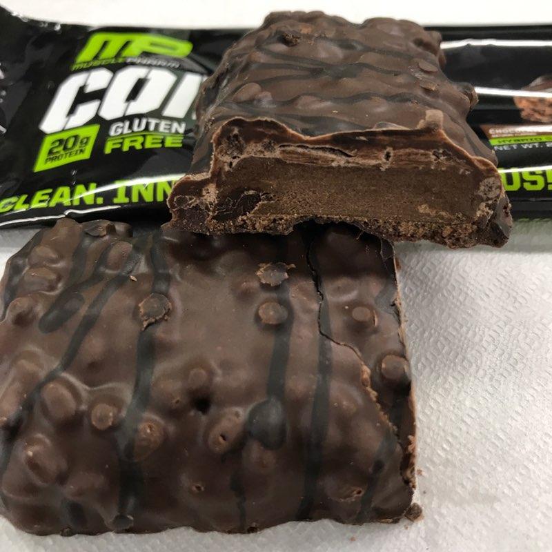 マッスルファームのコンバットクランチのチョコレートケーキ