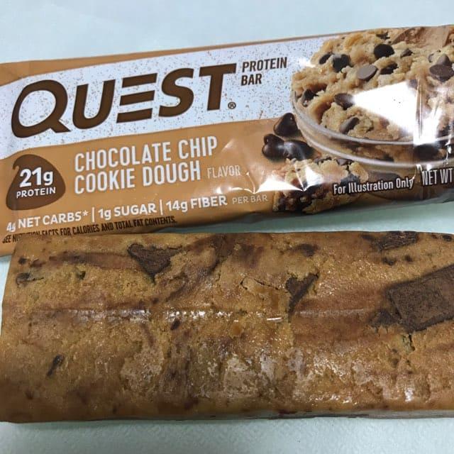クエストのプロテインバー クエストバーのチョコレートチップクッキードウ