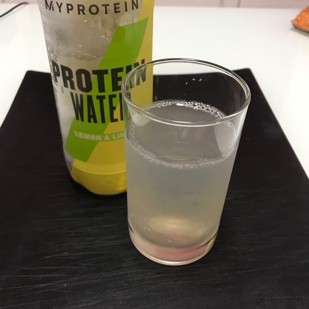 マイプロプロテインのプロテインウォーターのレモン&ライム
